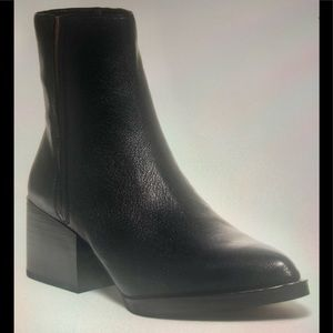 Circus By Sam Edelman leather ankle boot 7.5